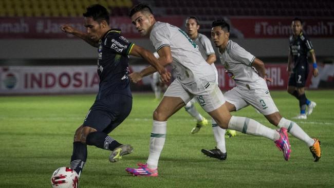 Persib ke Final Piala Menpora dengan Permainan Tak Bagus