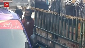VIDEO: Viral Oknum Polisi Jadi Calo Tiket Di Pelabuhan