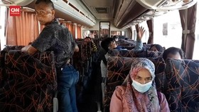 VIDEO: Terminal Bus Garut Mulai Ramai Pemudik Curi Start
