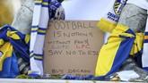 Aksi protes gelaran European Super League terlihat di Elland Road, baik dilakukan oleh suporter Leeds United maupun suporter Liverpool