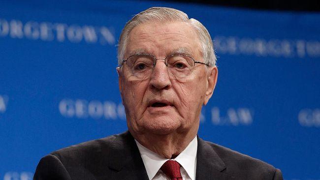 Mantan Wakil Presiden Amerika Serikat Walter Frederick 'Fritz' Mondale meninggal di usia 93 tahun.