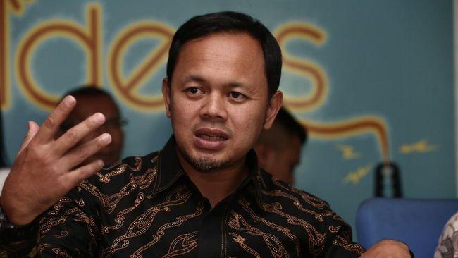 Ketua Dewan Pengurus Apeksi Bima Arya mengungkapkan ada tiga hal yang menyebabkan pemerintah di daerah banyak menyimpan dana di perbankan.