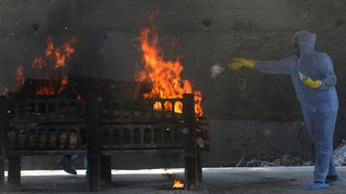 FOTO: Kerepotan Krematorium saat Gelombang Dua Corona India