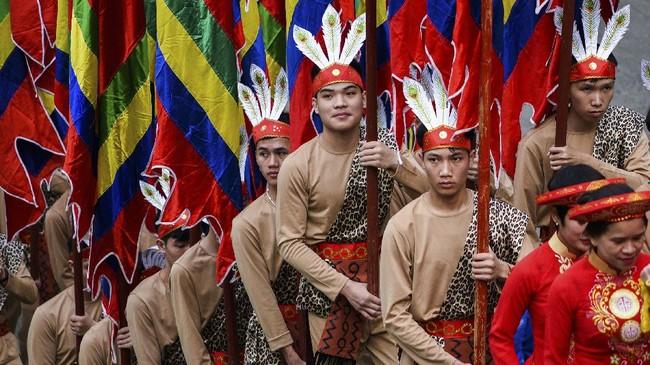 Dianggap sebagai negara yang sukses menangani pandemi Covid-19 sejak awal, Vietnam gelar festival Hung Kings dengan hadirkan puluhan ribu massa.