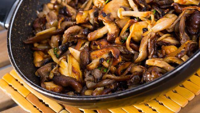 Jamur tiram saus teriyaki bisa jadi pilihan sehat dalam menu sahur Anda. Berikut resepnya.