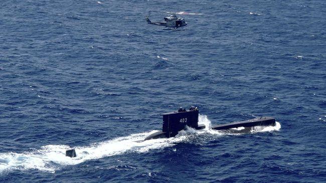 Tumpahan minyak di sekitar lokasi kapal selam KRI Nanggala hilang kontak kemungkinan besar karena kerusakan tangki BBM kapal buatan Jerman 1981 tersebut.