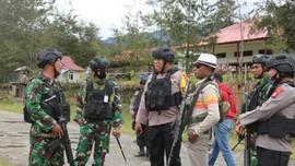 TNI-Polri Baku Tembak dengan KKB Papua, 2 Orang Tewas