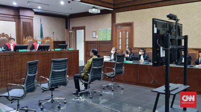Eks Mensos Juliari tak mengajukan eksepsi atas dakwaan suap bansos senilai Rp32,4 miliar agar kasus cepat selesai.