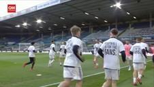 VIDEO: Pemain Leeds Gunakan Kaos Bertuliskan Sindiran ke ESL