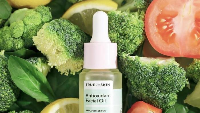Bukan Hanya Dikonsumsi, Rasakan Manfaat Sayuran Bagi Kulit dalam 6 Skincare Ini