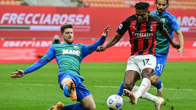 AC Milan kalah 1-2 dari Sassuolo dalam lanjutan Liga Italia yang berlangsung di Stadion San Siro, Kamis (22/4) dini hari waktu Indonesia.
