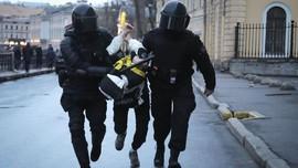 FOTO: Perjuangan Ribuan Pedemo Oposisi Putin Berujung Bui