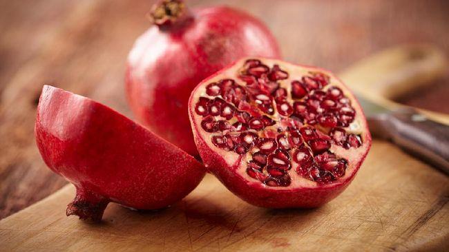 Selain enak dimakan, aneka buah-buahan bisa membantu Anda agar lebih sehat dan panjang umur. Ada berbagai jenis buah untuk panjang umur.