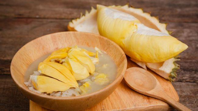 Cita rasanya yang manis gurih, membuat soko palopo cocok disantap sebagai takjil. Berikut resep praktis berbuka puasa ketan cocol soko palopo.