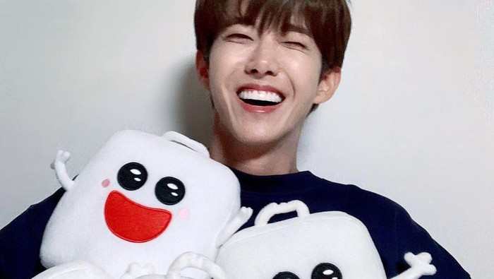 Rekomendasi Produk yang Bikin Bibir Idol K-Pop Pria Tampak Sehat dan Menawan
