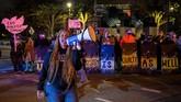Warga Ohio berdemo menuntut keadilan atas penembakan yang dilakukan anggota Kepolisian Columbus yang menewaskan remaja putri kulit hitam, Ma'Khia Bryant (16).