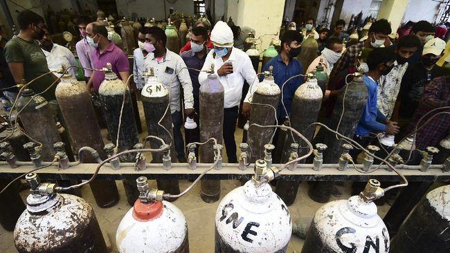 India butuh setidaknya 7.200 ton oksigen medis per hari. Kapasitas produksi tidak memadai membuat India membutuhkan bantuan luar negeri.