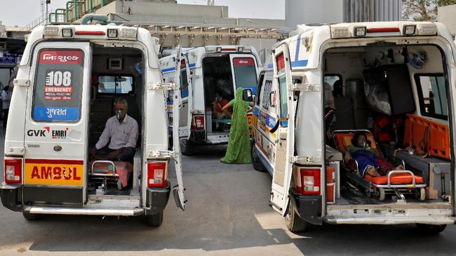Setidaknya 12 orang tewas akibat kebakaran di salah satu rumah sakit yang merawat pasien Covid-19 di India pada Jumat (23/4).