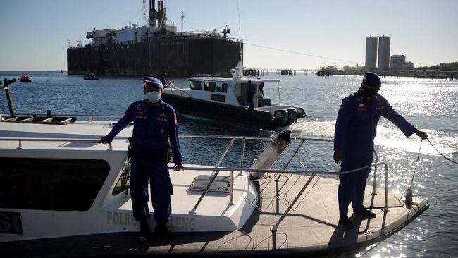 TNI mengerahkan kapal selam KRI Alugoro untuk membantu pencarian KRI Nanggala 402 yang hilang kontak sejak Rabu (21/4) pagi.