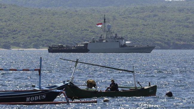 Tim pencarian KRI Nanggala 402 bakal memaksimalkan pencarian pada Jumat (23/4) hari ini mengingat terbatasnya cadangan oksigen di kapal berisi 53 awak tersebut.