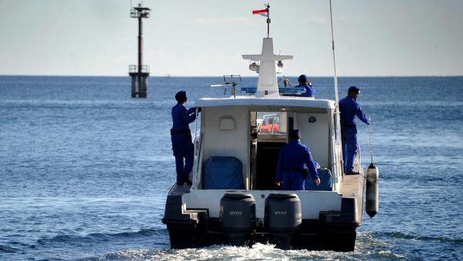 Kapal penyelamat MV Swift Rescue milik angkatan laut Singapura yang bakal ikut membantu pencarian KRI Nanggala-402, diperkirakan tiba pada sore ini.