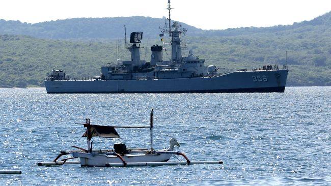 Anggota keluarga salah satu awak KRI Nanggala 402 yakin prajurit TNI dalam kapal selam yang hilang kontak itu akan kembali dengan selamat.