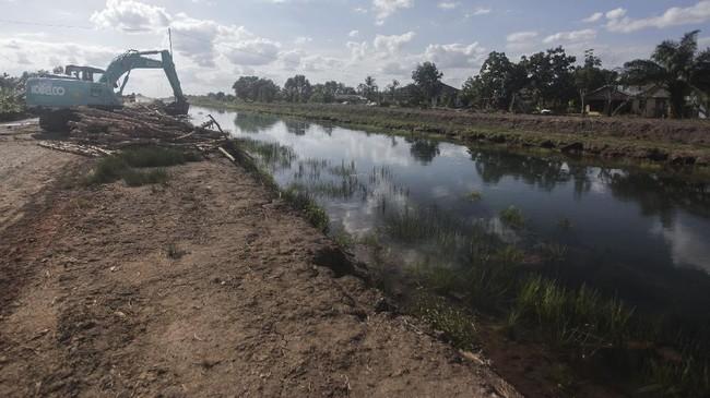 Program lumbung pangan nasional merupakan program strategis pemerintah pusat di beberapa wilayah, termasuk Dadahup di Kalimantan Tengah.