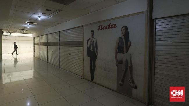 Blok M Mall yang sempat populer era 1990an hingga 2000an kini mulai redup, sepi tanpa pengunjung.
