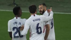 FOTO: Benzema Bawa Madrid ke Puncak Klasemen Liga Spanyol