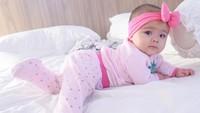 <p>Bayi perempuan blasteran Turki itu dilahirkan pada tanggal 4 Oktober 2020. Aycil kini sudah menginjak usia setengah tahun, Bunda.(Foto: Instagram @poncikduzenli)</p>