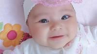 <p>Bayi cantik bernama Aycil Daneen Duzenli sempat mencuri perhatian publik di akhir 2020. Ia merupakan putri YouTuber asal Indonesia, Isti Alqadri dengan pria Turki bernama Musab.(Foto: Instagram @poncikduzenli)</p>