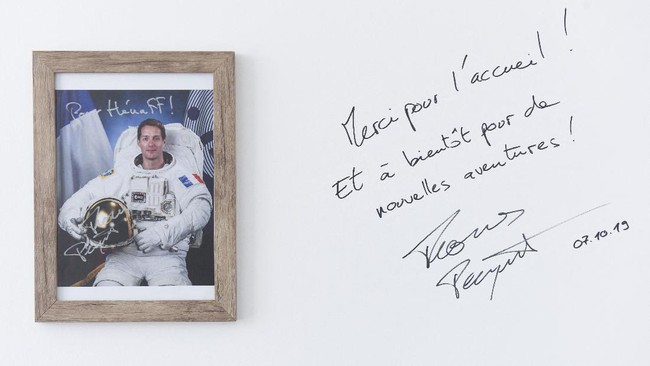 Ketika seorang astronot Prancis meninggalkan bumi untuk pergi ke luar angkasa, dia tak akan meninggalkan makanan Prancis di bumi.