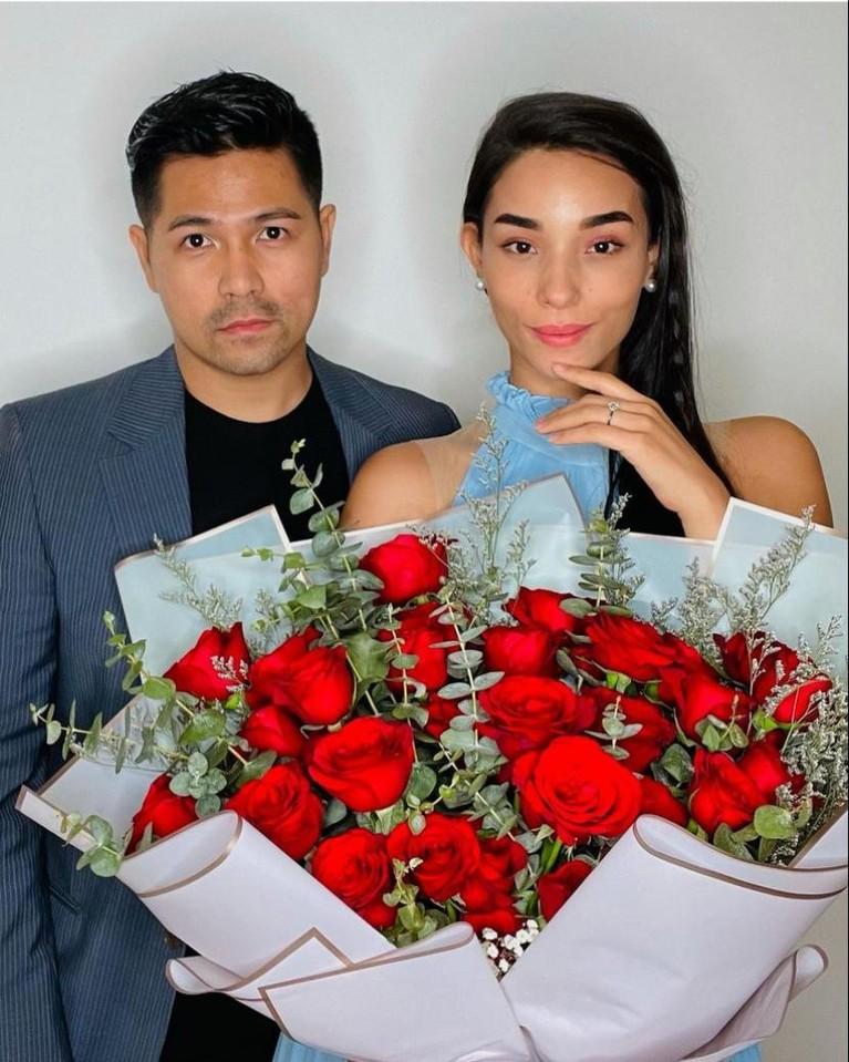 Erick Bana Iskandar melamar sang kekasih