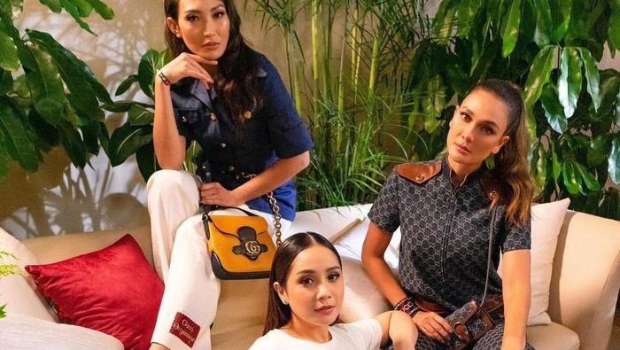 Penampilan Berkelas Nagita, Ayu Dewi dan Luna Maya di Acara Gucci