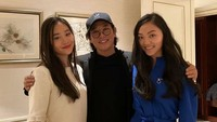 <p>Jet Li memiliki dua putri cantik yang beranjak dewasa. Mereka adalah Jane dan Jada, kakak beradik yang hanya terpaut usia dua tahun. Jane dilahirkan pada tahun 2000, sedangkan Jada di tahun 2003. (Foto: Instagram @_jadali_)</p>