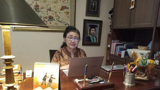 Ketua ITAGI Prof. Dr. Sri Rezeki Hadinegoro menceritakan bagaimana lika-likunya menjadi dokter, termasuk karena anjuran ibunya, sang 'Kartini' di hatinya.