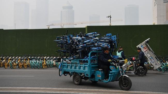 Ribuan sepeda sewa online berbasis aplikasi dari berbagai usaha startup di China bangkrut karena pandemi Covid-19.