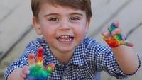 <p>Louis, putra bungsu Pangeran William dan Kate Middleton kini sedang berulang tahun. Ia baru saja menginjak usia 3 tahun, Bunda. (Foto: Instagram @kensingtonroyal)</p>