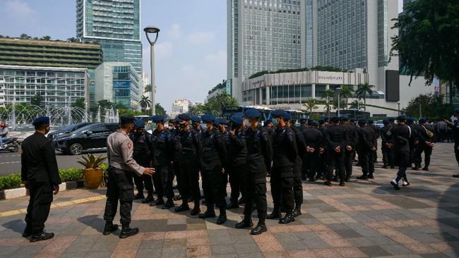 Jakarta bersiap menyambut para pemimpin negara anggota ASEAN yang akan menghadiri KTT untuk membahas pergolakan di Myanmar pada Sabtu (24/4).