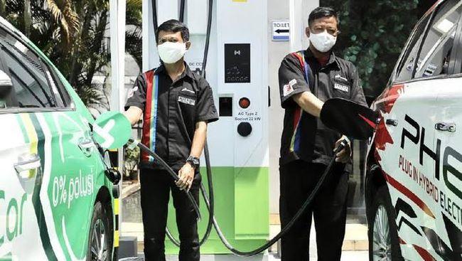 Pengembangan SPKLU Fast Charging oleh Pertamina dengan menggaet Grab Indonesia sebagai perusahaan transportasi berbasis aplikasi yang memiliki mitra pengendara.