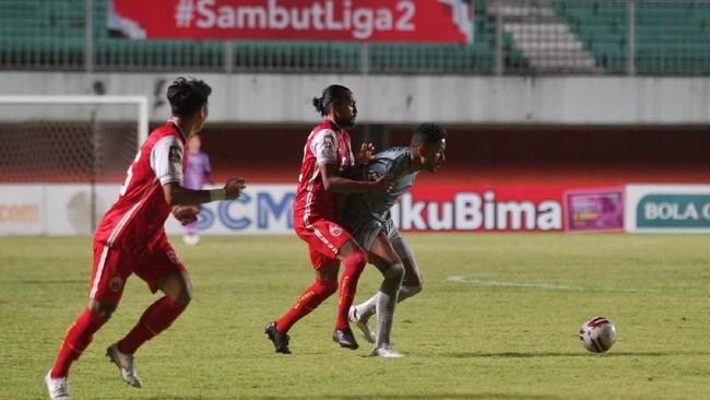 Dua talenta muda Persija Jakarta, Braif Fatari dan Taufik Hidayat, berhasil bikin Persib Bandung menderita di leg pertama final Piala Menpora 2021.