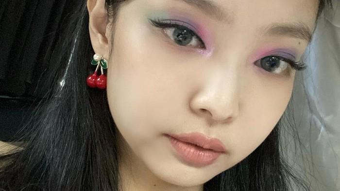 Teknik Pakai Eyeliner ala Cewek Korea, Agar Tampilan Tetap Natural