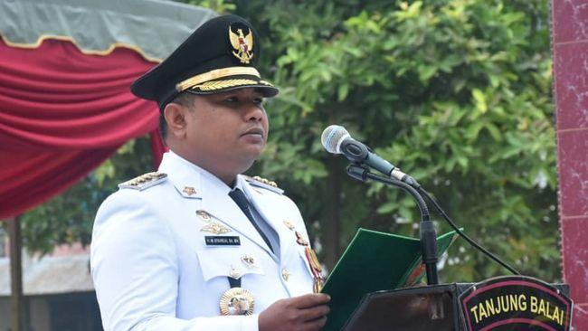 Wali Kota Tanjungbalai M. Syahrial masih menjabat Ketua DPD II Partai Golkar Kota Tanjungbalai usai ditetapkan sebagai tersangka kasus suap.
