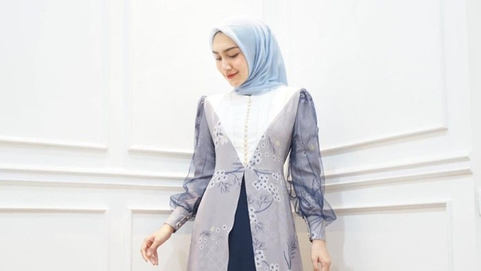 5 Inspirasi Dress Simpel untuk Lebaran, Sukses Tampil Anggun dan Stunning