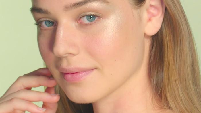 Tips Memilih Highlighter Berdasarkan Skin Tone dan Jenis Kulit