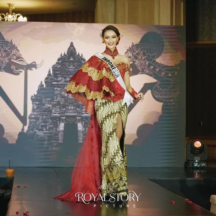 Melalui Press Conference pada Kamis (22/4/2021), Ayuma menampilkan beberapa kostum yang akan digunakan di ajang Miss Universe 2020. (Foto: Instagram.com/officialputeriindonesia)