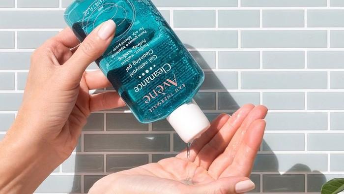 5 Cleansing Gel Ini Ampuh Bersihkan Kotoran dan Sisa Makeup