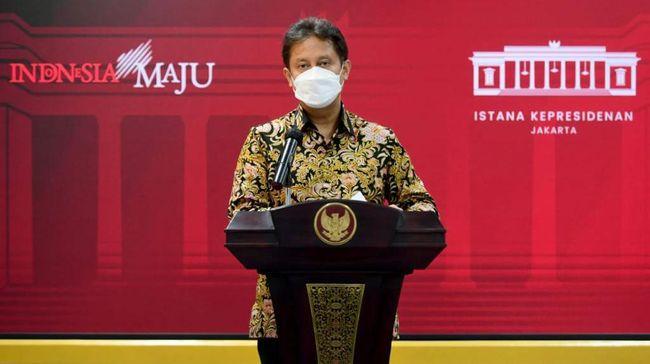 الرئيس يطلب من وزارة الصحة والجيش الوطني و الشرطة الاندونيسية تسريع تطعيمات كوفيد 19 في 4 محافظات