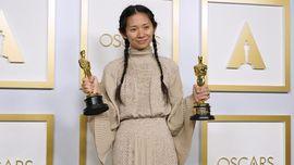 Chloe Zhao, Sutradara Perempuan Asia Pertama Menang Oscar