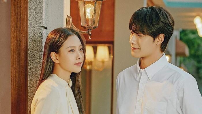 Youth of May, Romansa Cinta 80-an Lee Do Hyun dan Go Min Si